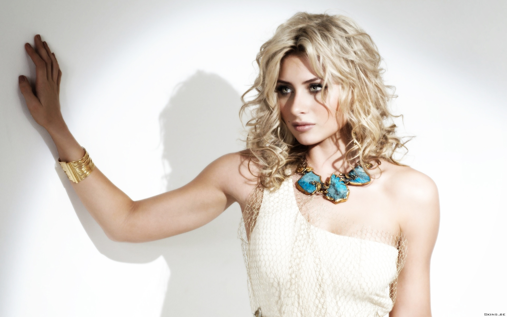 Alyson Michalka wallpaper (#40986)