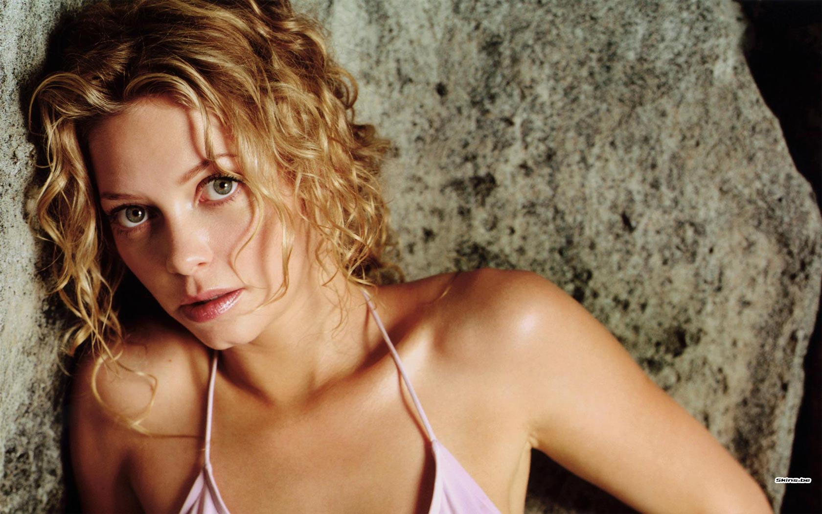 Amanda Detmer wallpaper (#21643)