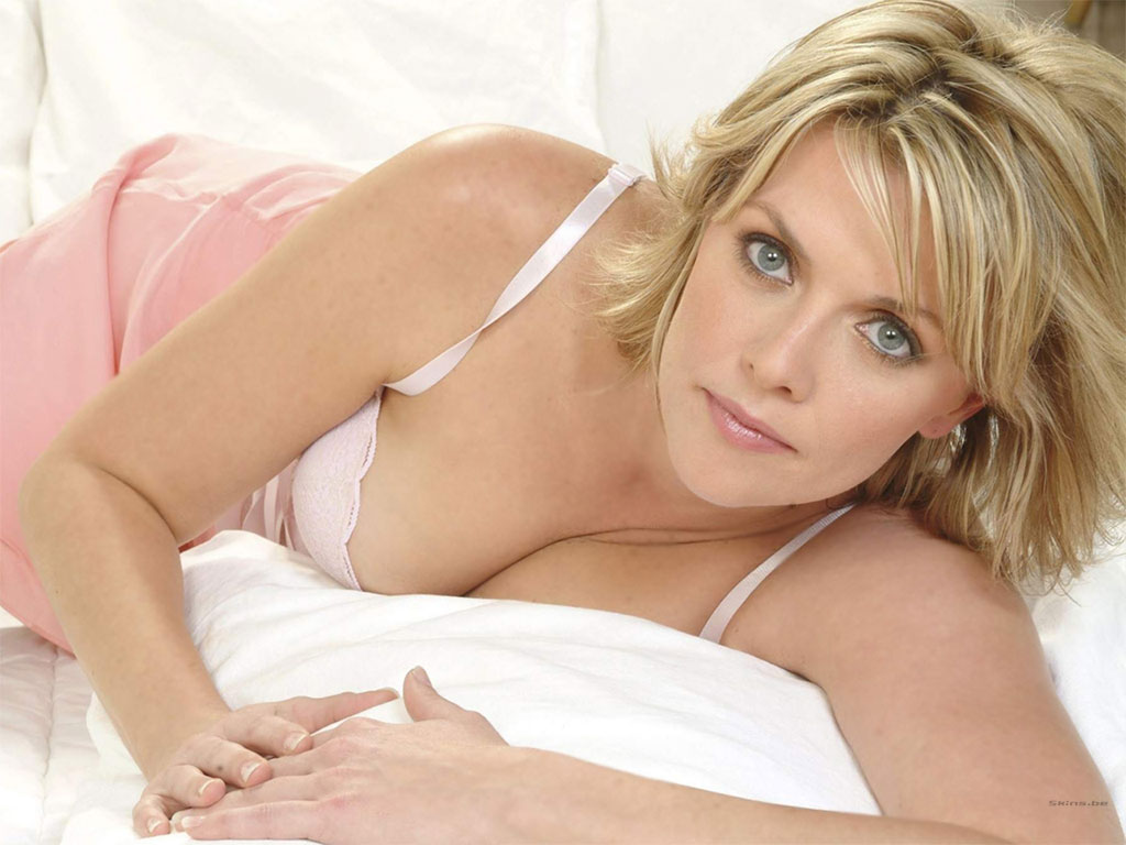 This Amanda Tapping Wallpaper (#22978) was scaled down in order to fit your ...