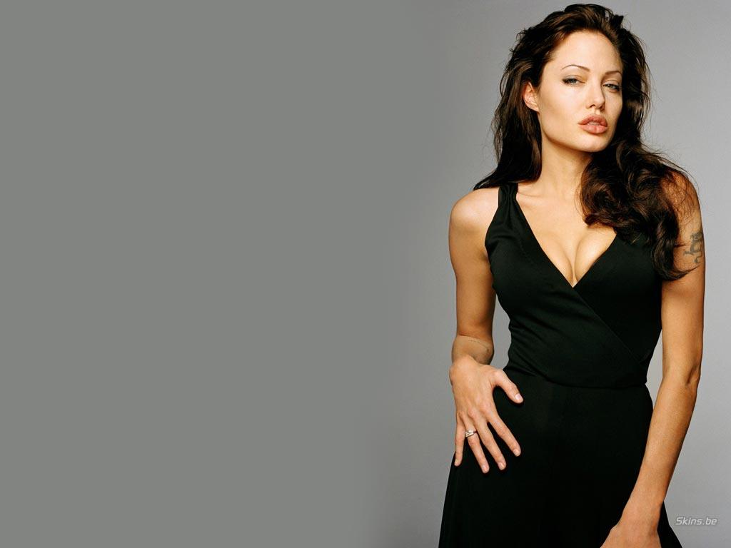 Angelina Jolie wallpaper (#21423)