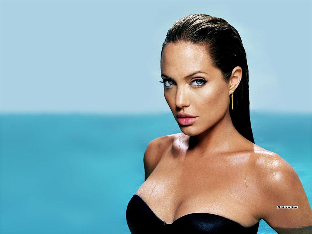 Angelina Jolie wallpaper (#22683)