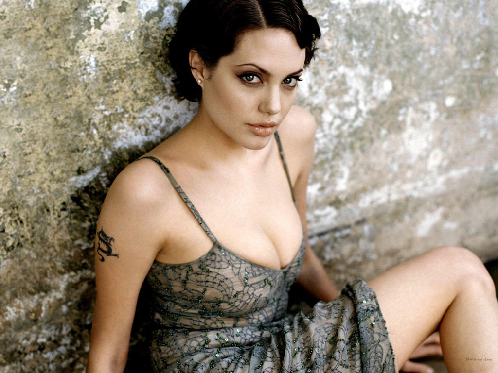 Angelina Jolie wallpaper (#22961)