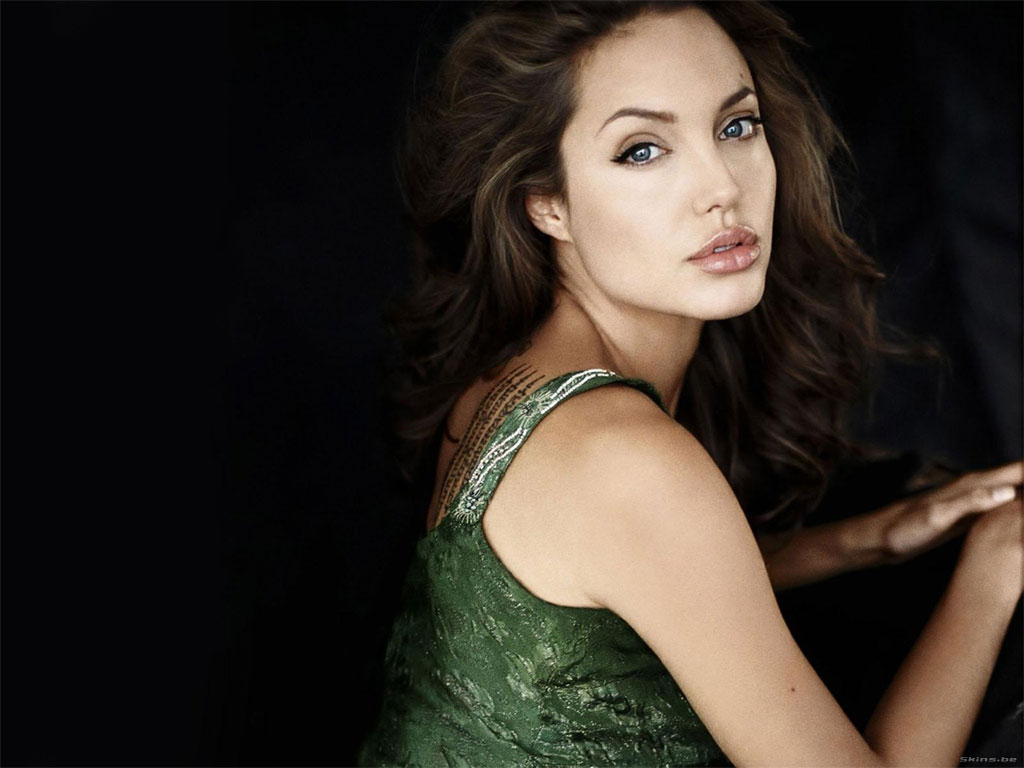 Angelina Jolie wallpaper (#24076)