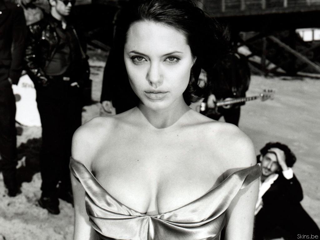 Angelina Jolie wallpaper (#31753)