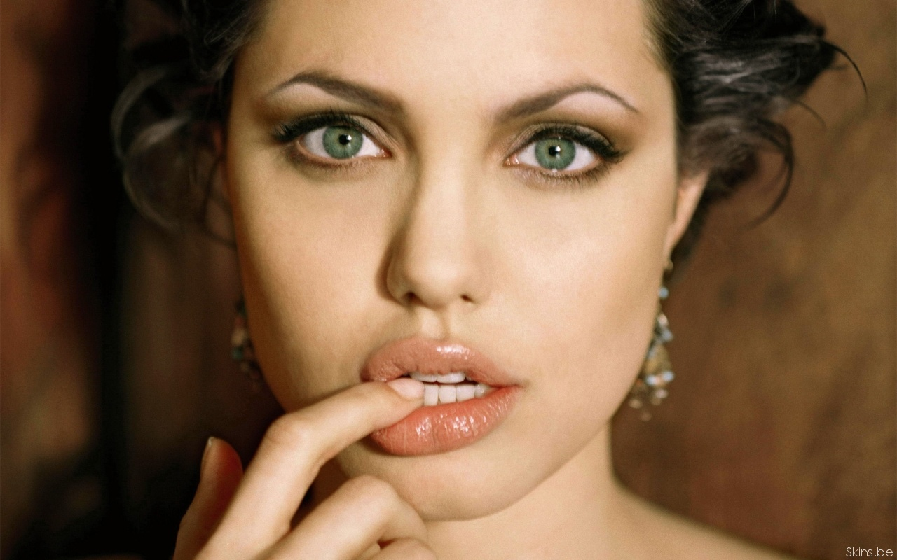 Angelina Jolie wallpaper (#31751)