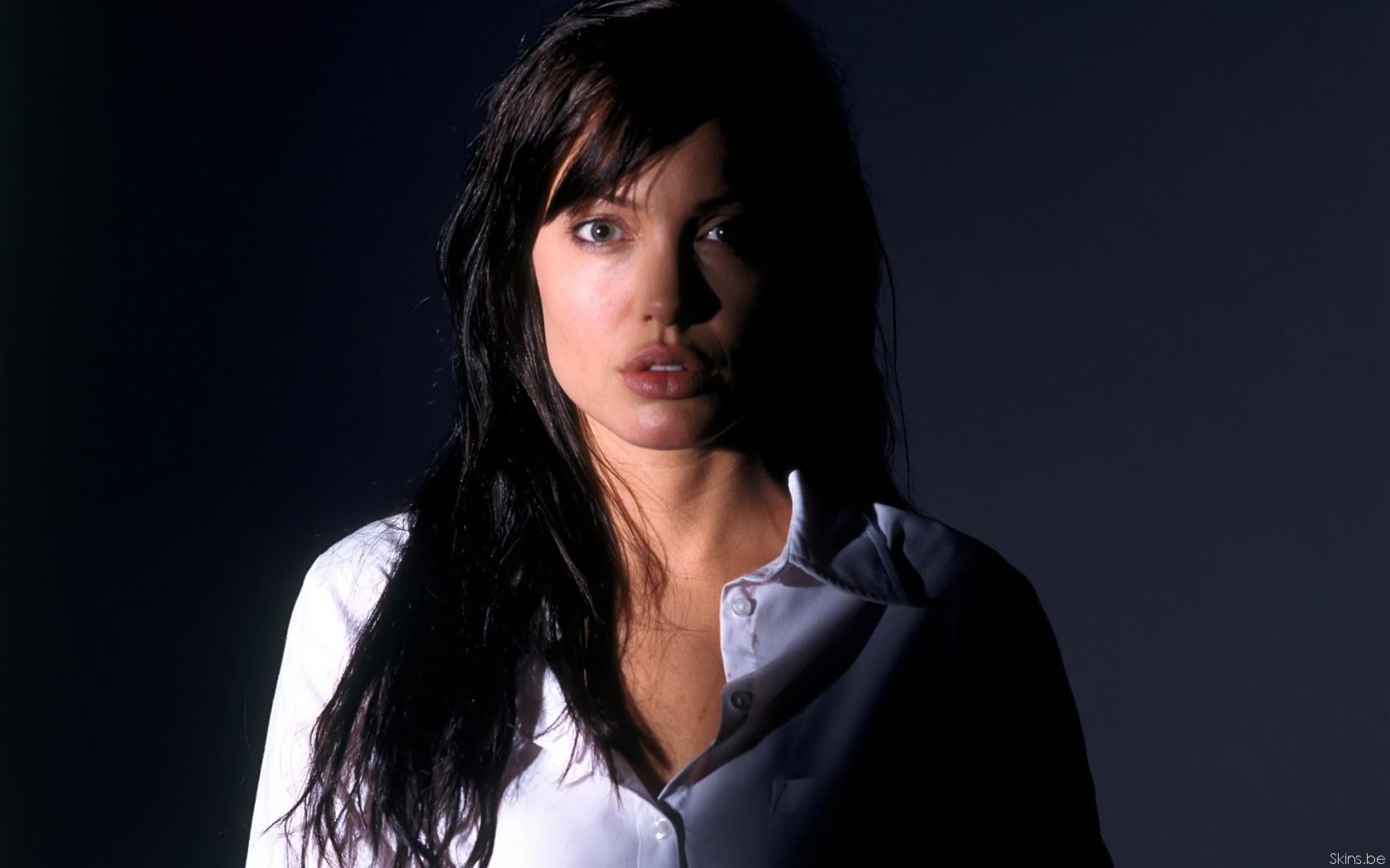 Angelina Jolie wallpaper (#31744)