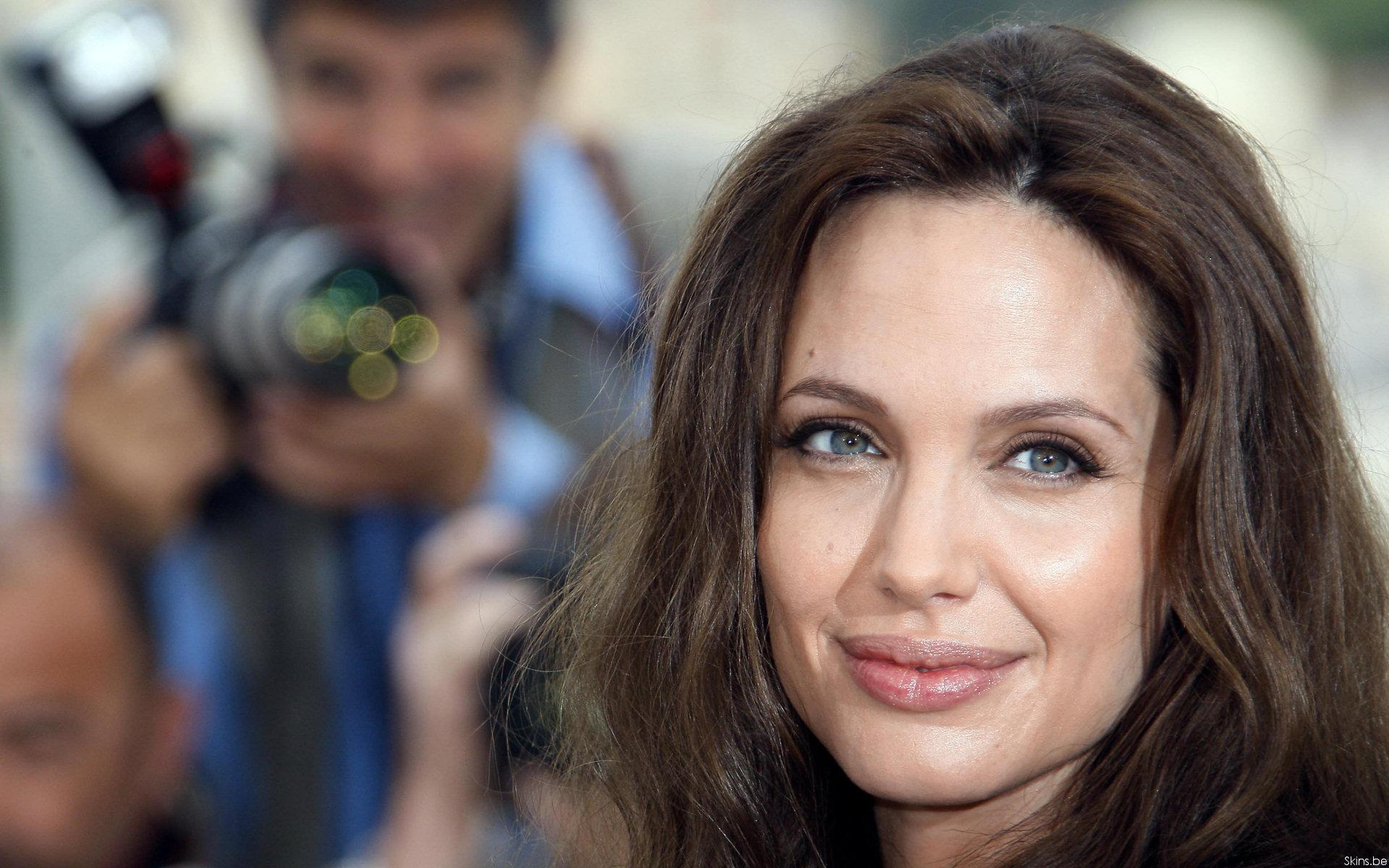 Angelina Jolie wallpaper (#30810)