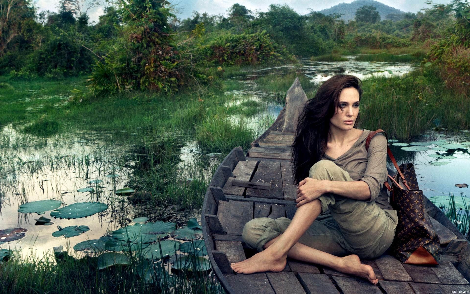 Angelina Jolie wallpaper (#40135)