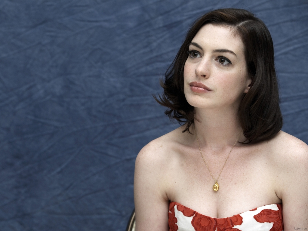 Anne Hathaway wallpaper (#32963)