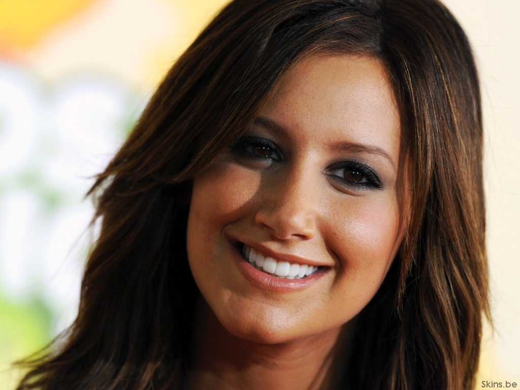Ashley Tisdale wallpaper (#35074)