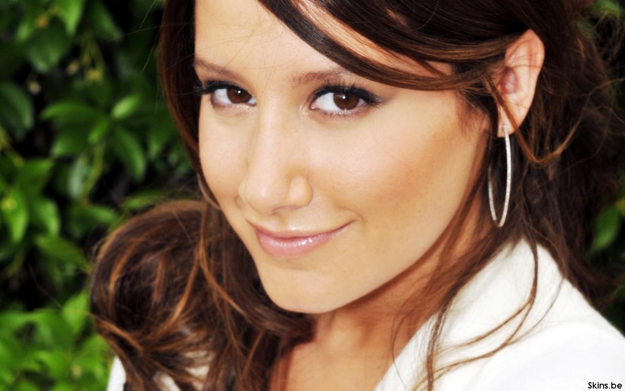 Ashley Tisdale wallpaper (#35587)