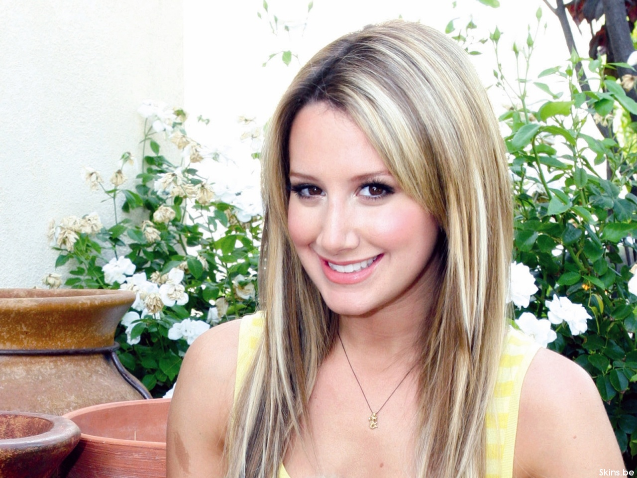Ashley Tisdale wallpaper (#35070)