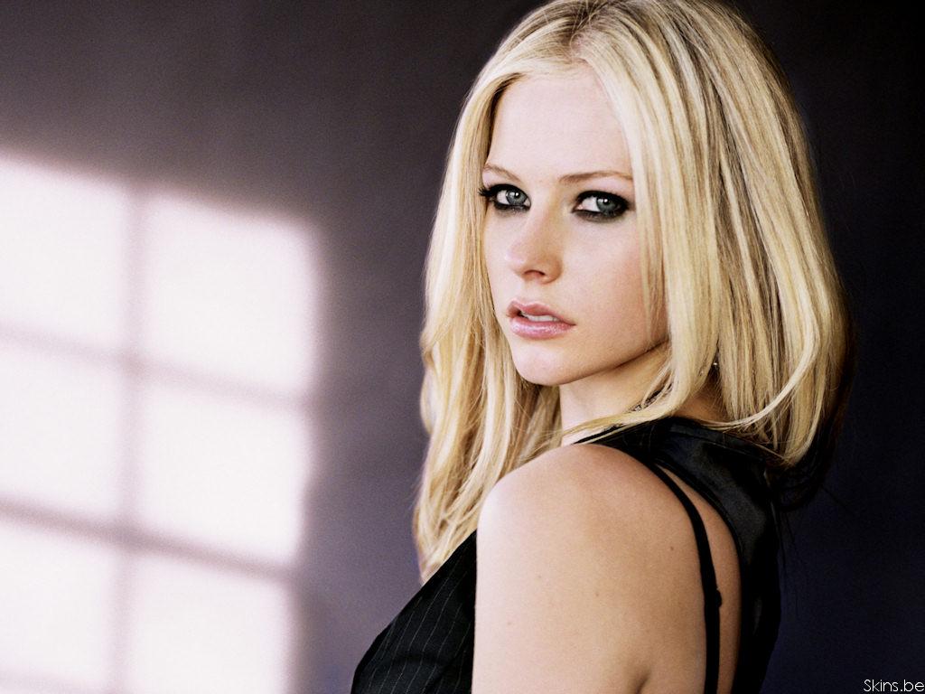 Celebrites Avril Lavigne nude photos 2019