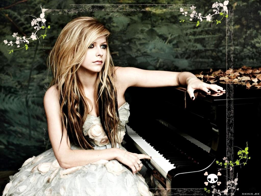 Avril lavigne dress white