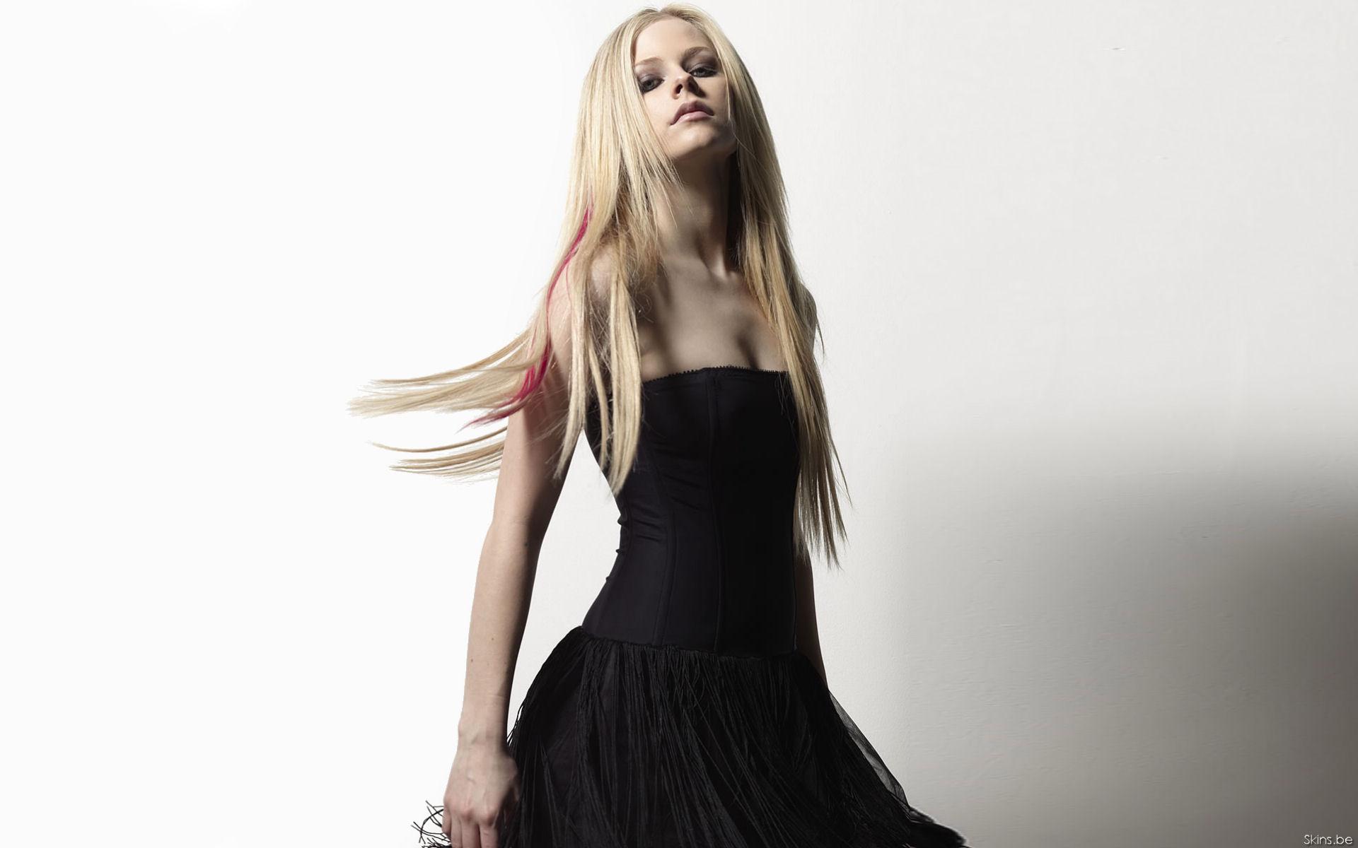 Avril Lavigne 1 Wallpapers: Avril Lavigne Desktop Wallpaper Free Download In