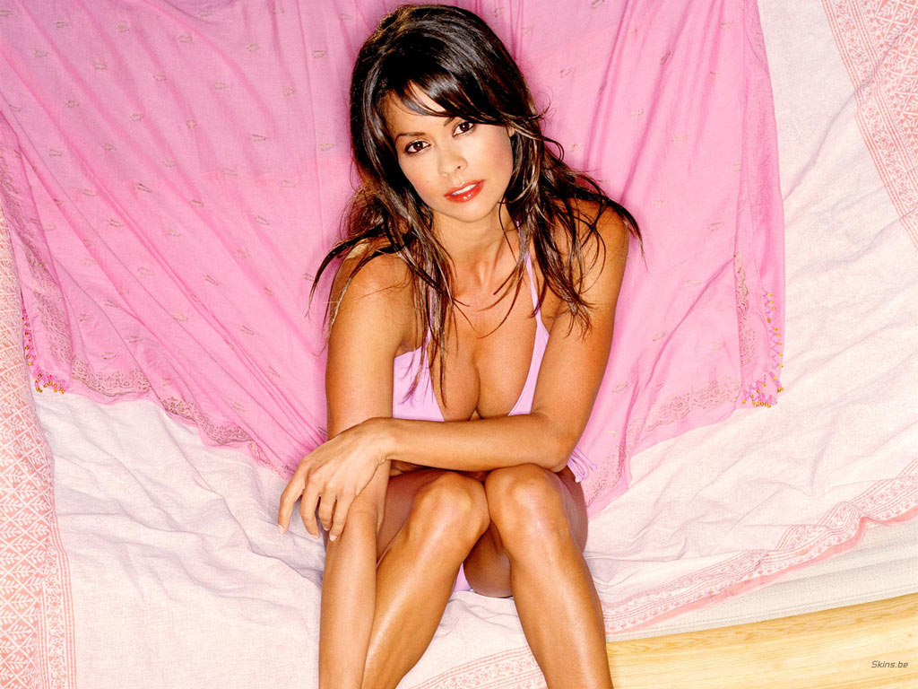 Brooke Burke wallpaper (#17776)