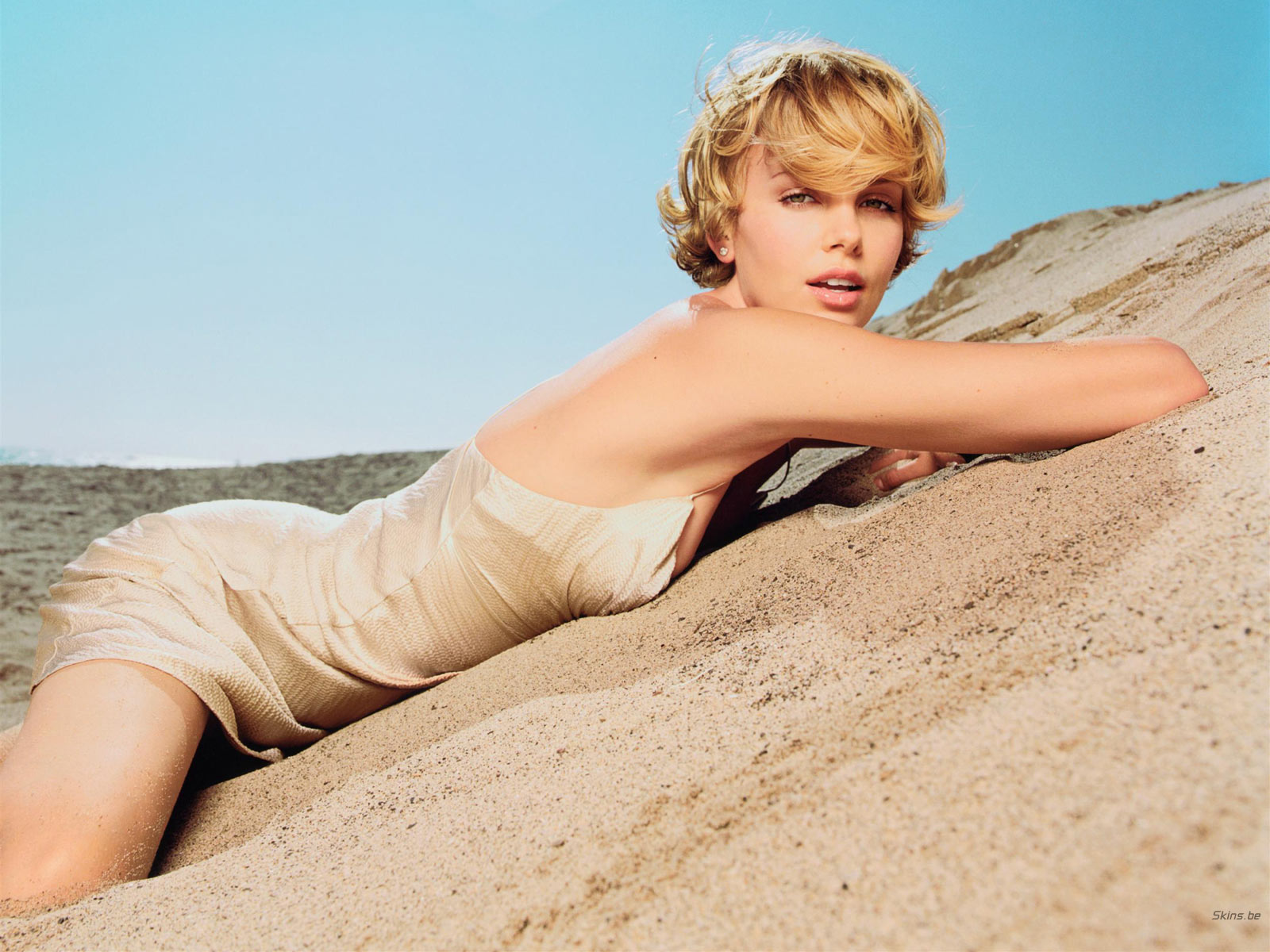 Charlize Theron wallpaper (#17785)