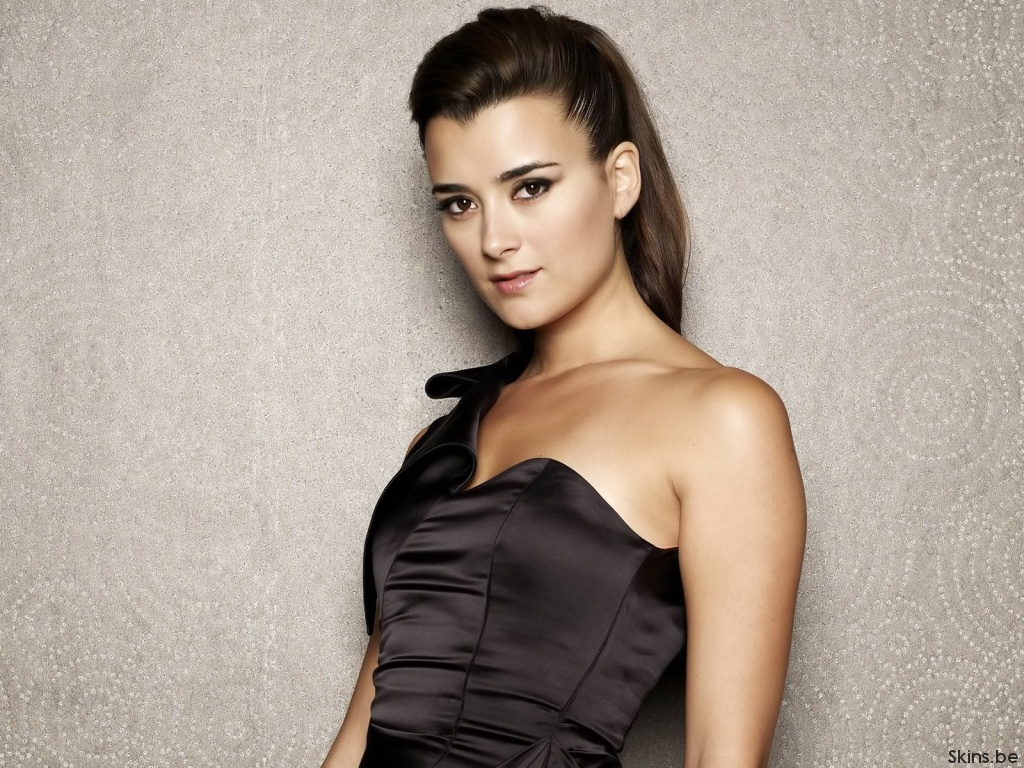 Is Cote De Pablo the next Salma?