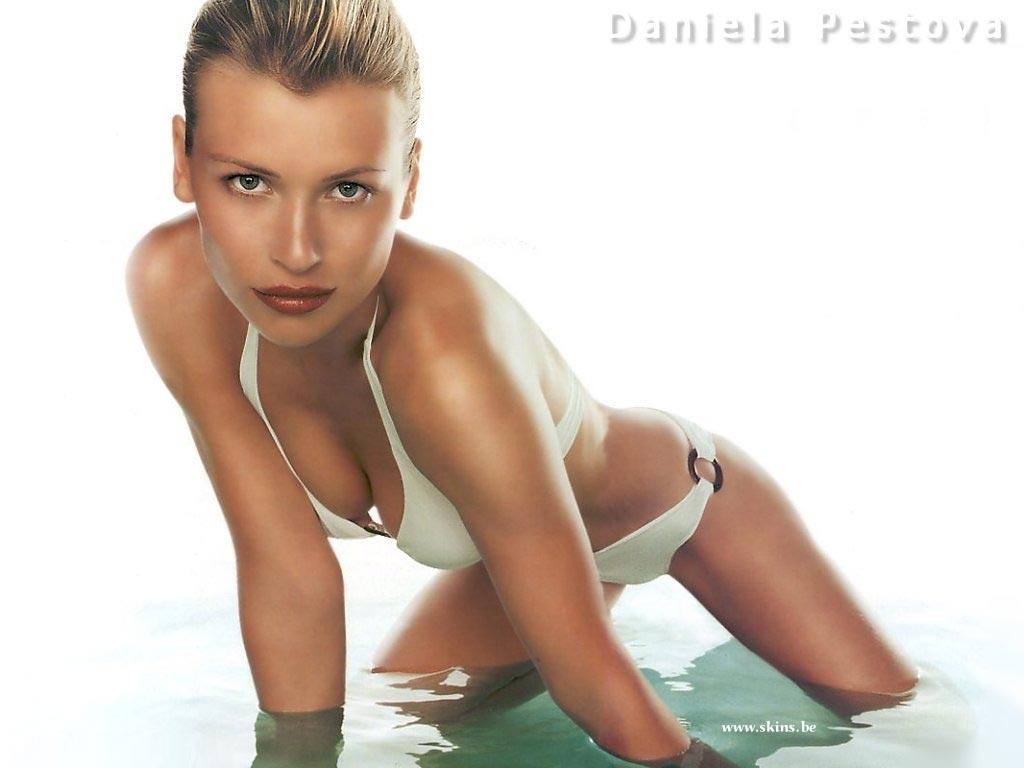 Daniela Pestova wallpaper (#8)