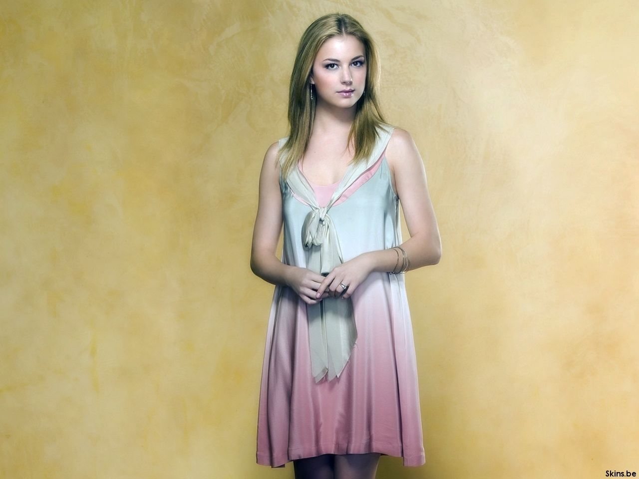 Emily VanCamp wallpaper (#37637)