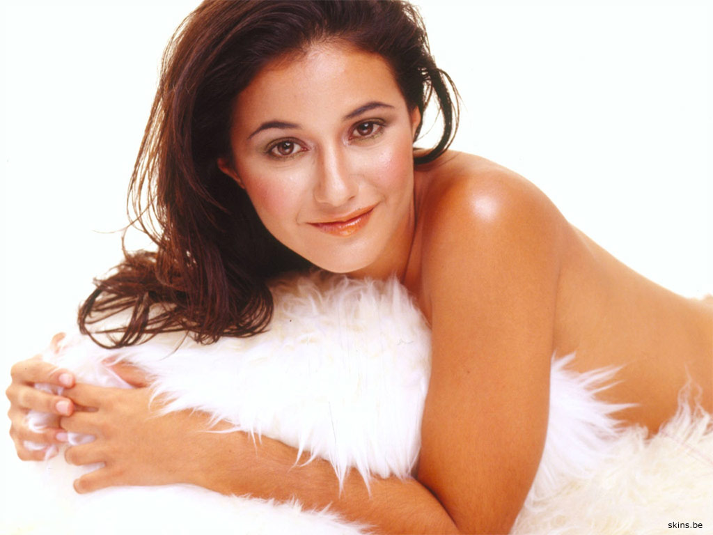 Emmanuelle Chriqui wallpaper (#32509)