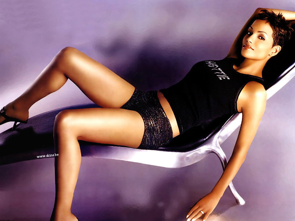 Halle Berry wallpaper (#1722)
