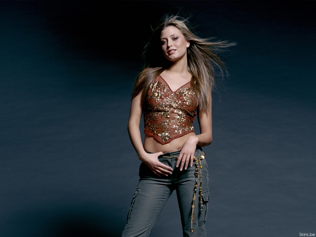 Holly Valance wallpaper (#30532)