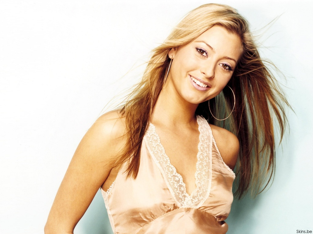 Holly Valance wallpaper (#30534)