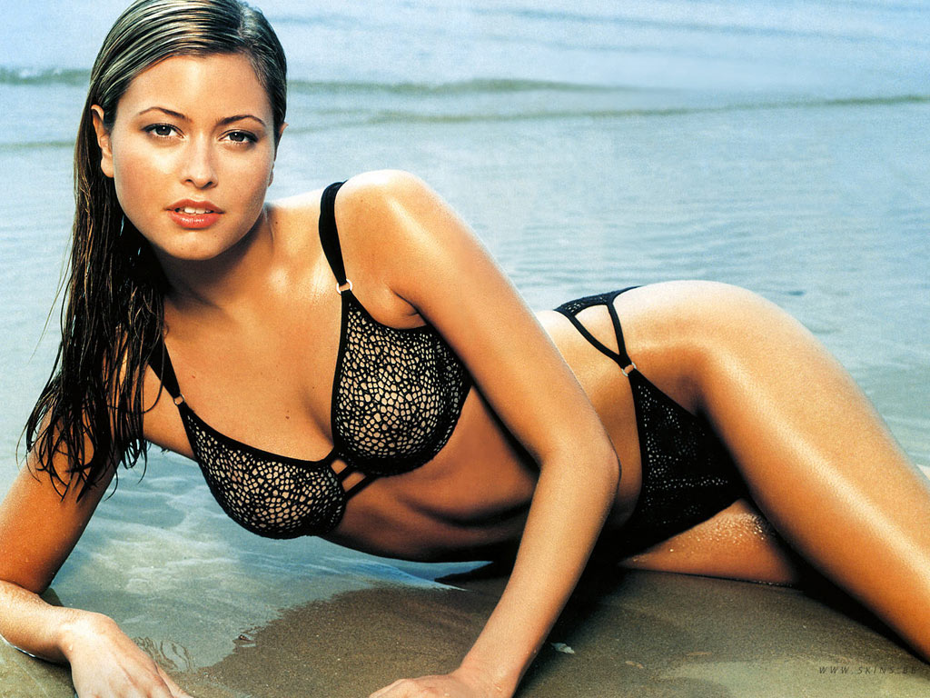Holly Valance Desktop Wallpaper Free Download In Widescreen Hd