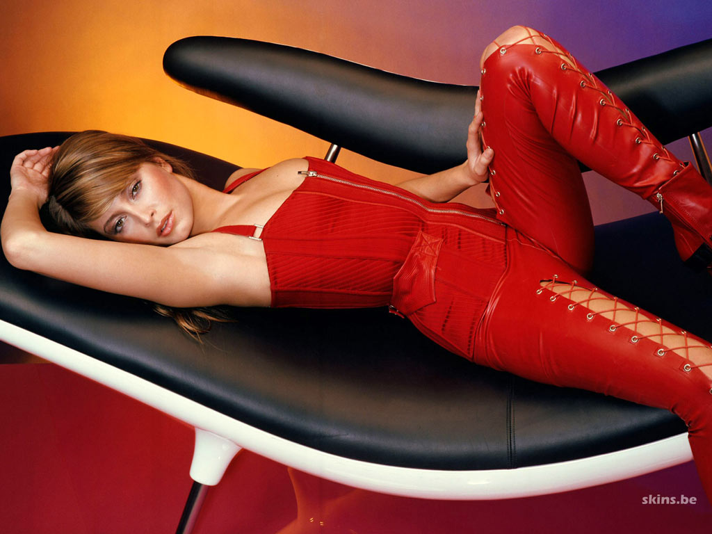 Holly Valance wallpaper (#5721)
