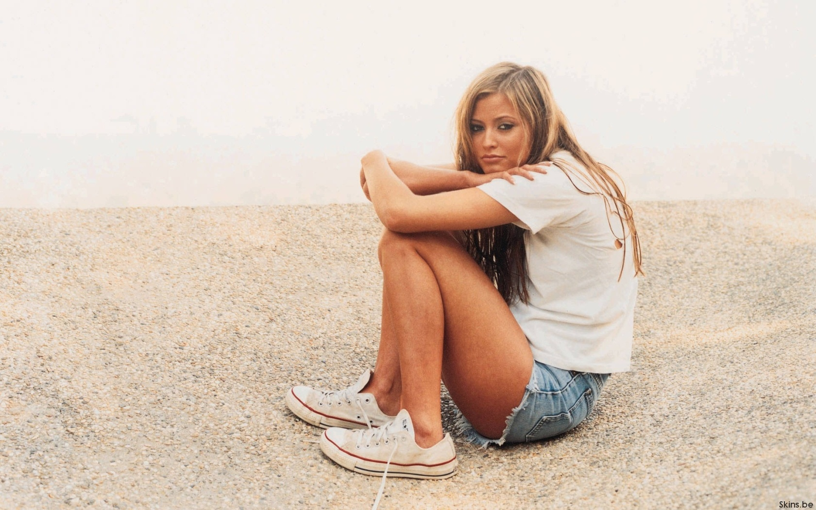 Holly Valance wallpaper (#38134)