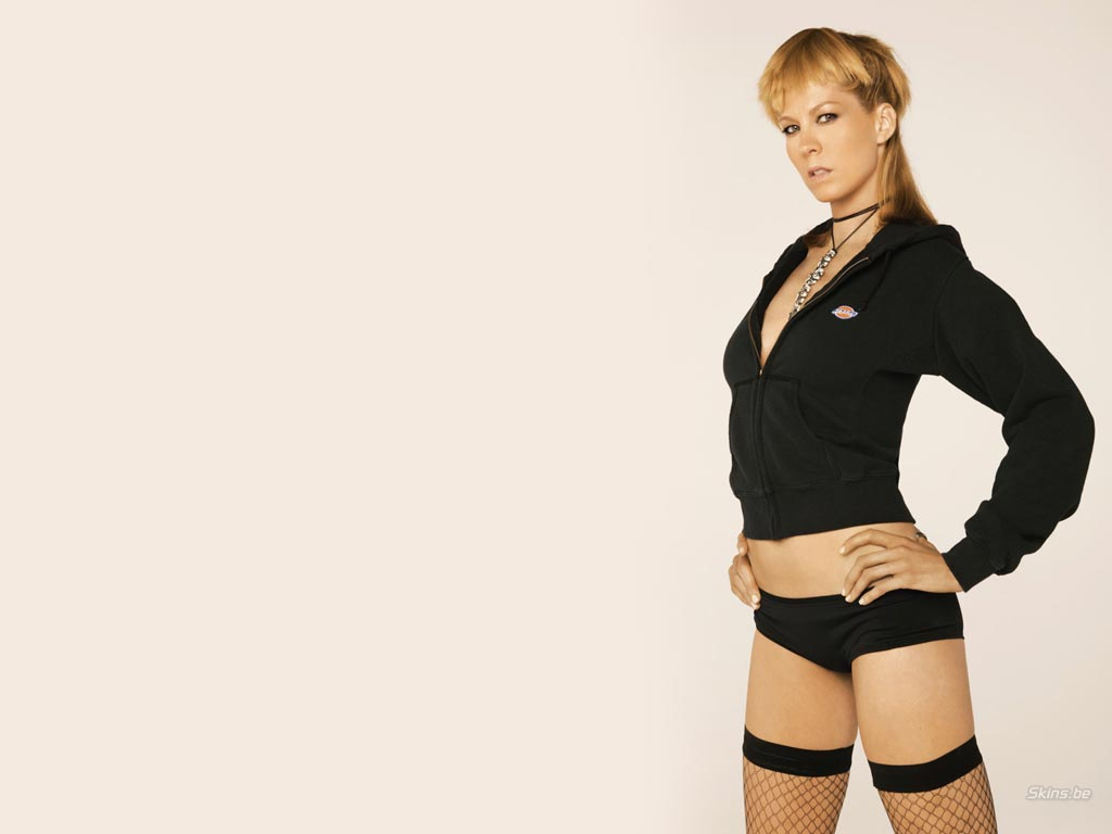 Jenna Elfman Wallpaper