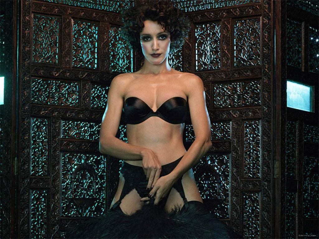 Jennifer Beals Tits