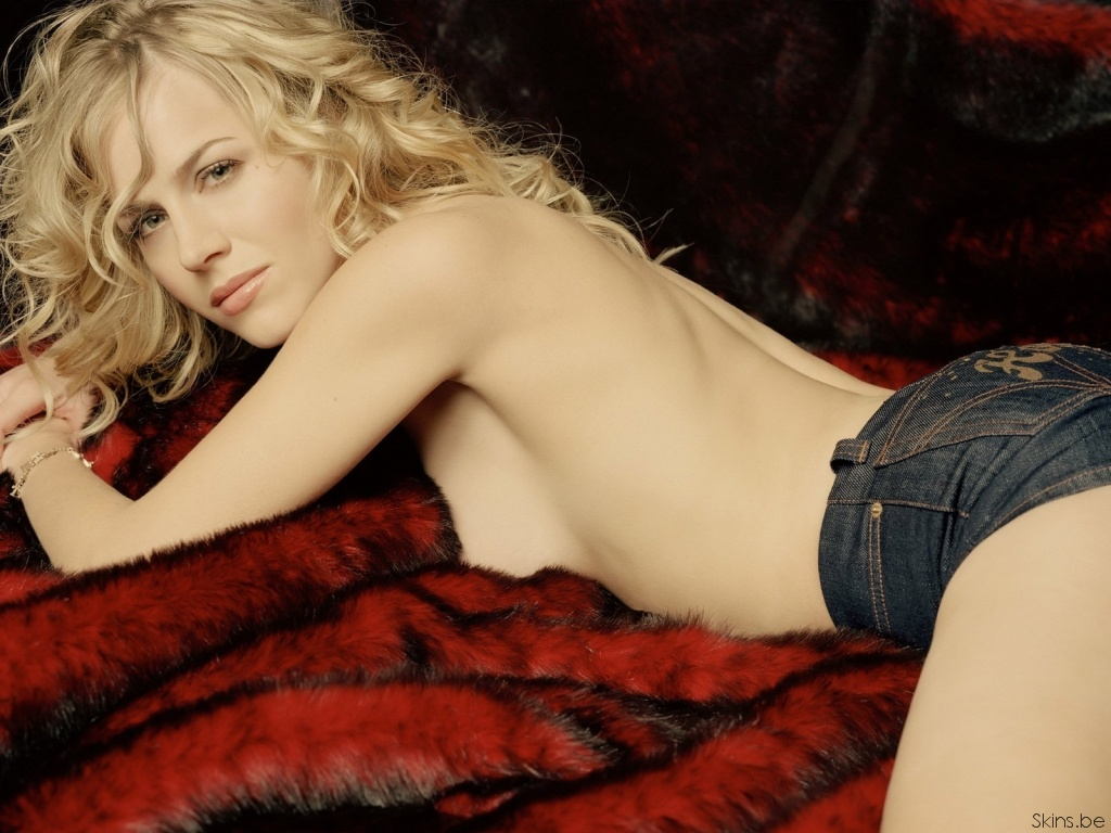 Julie Benz Desktop Wallpaper Free Download In Widescreen Hd