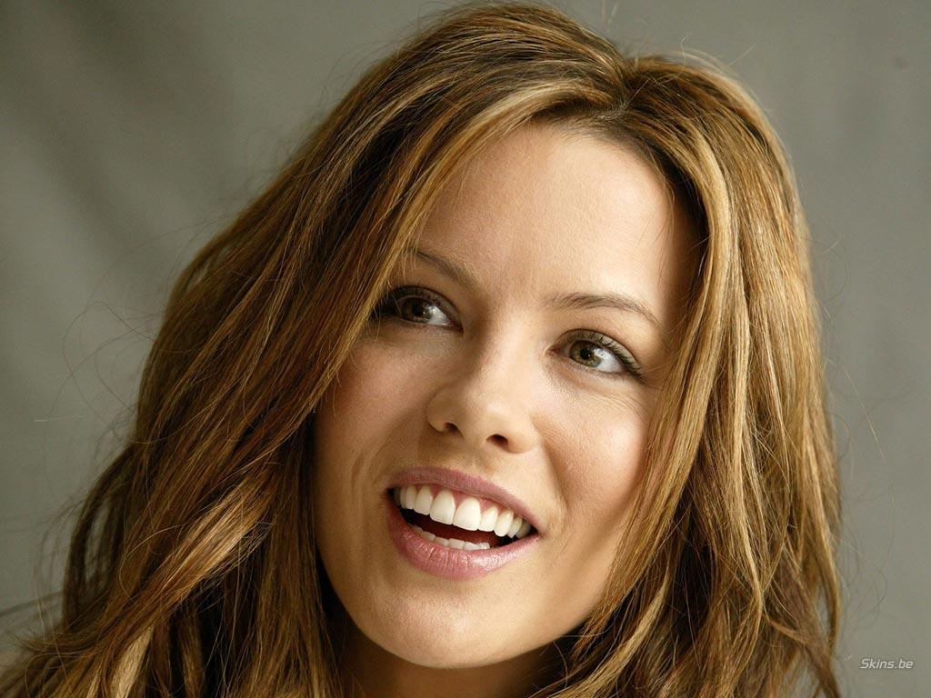Kate Beckinsale desktop wallpaper free download in