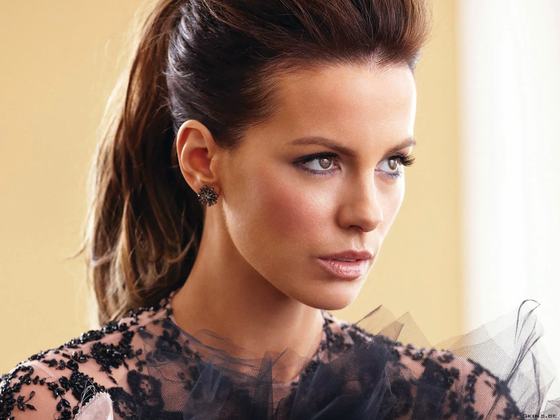 Kate Beckinsale wallpaper (#41345)