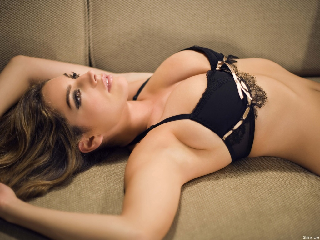 Kelly Brook wallpaper (#30571)