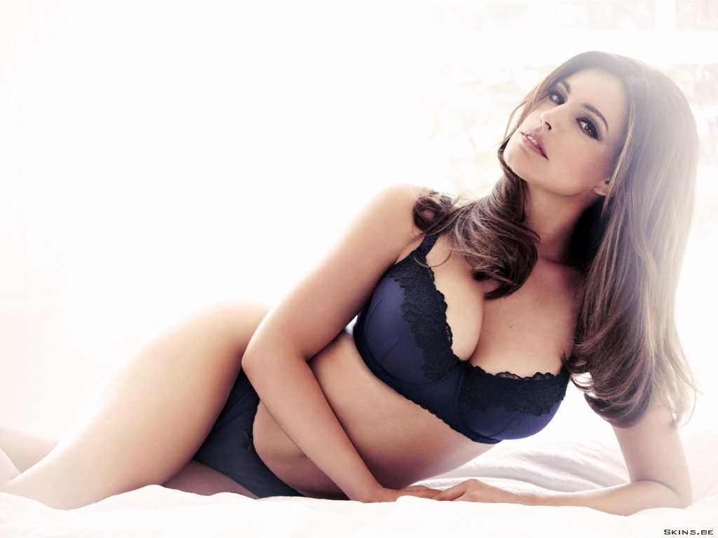 Kelly Brook wallpaper (#41373)