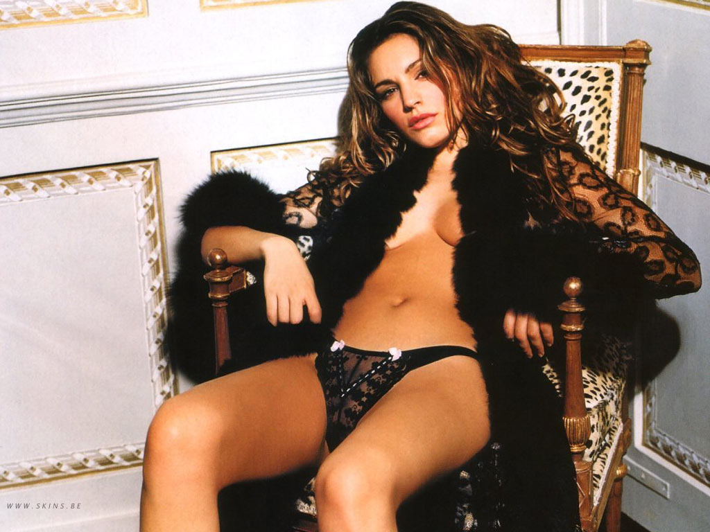 Kelly Brook wallpaper (#4186)