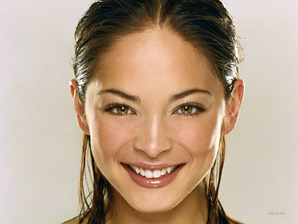 Kristin Kreuk wallpaper (#19223)