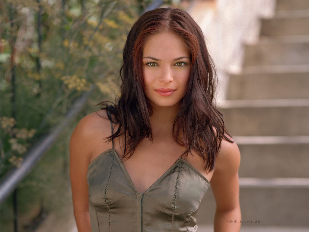 Kristin Kreuk wallpaper (#4372)