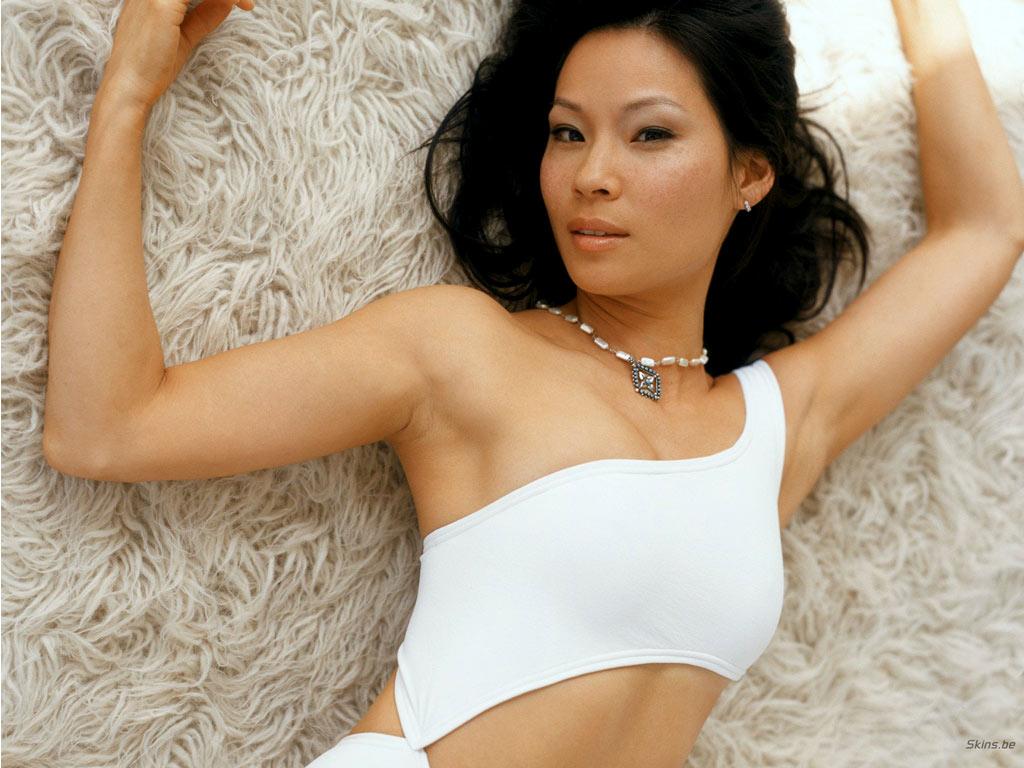 Lucy Liu  nackt