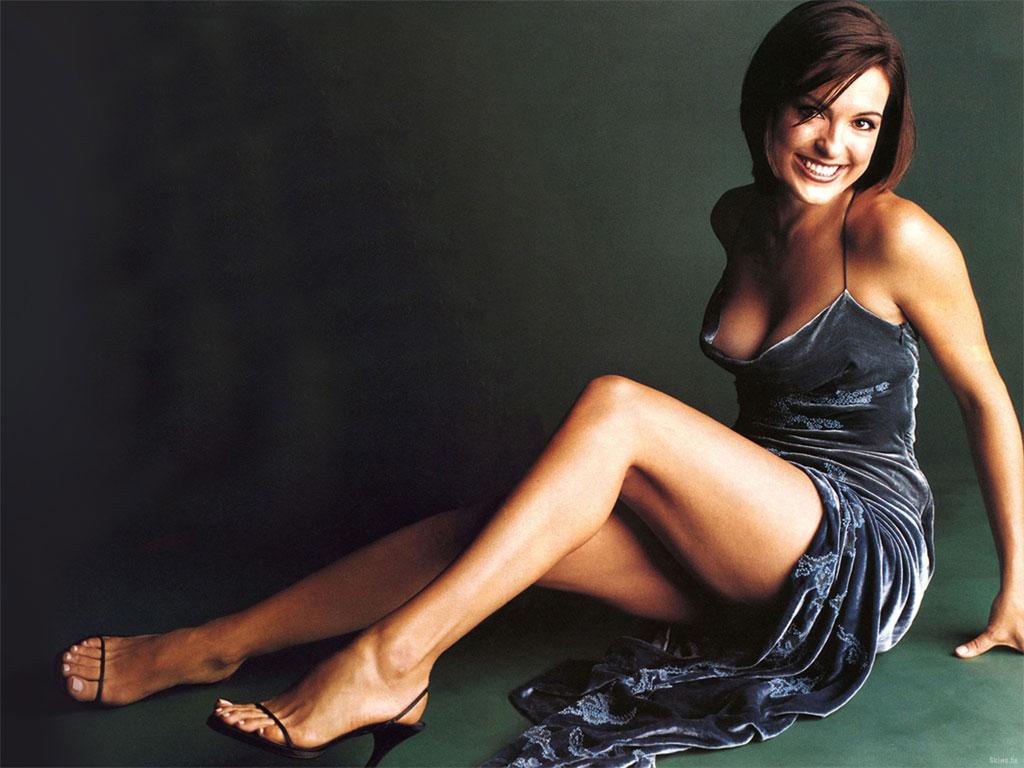 nudes (55 photos), Cleavage Celebrity image