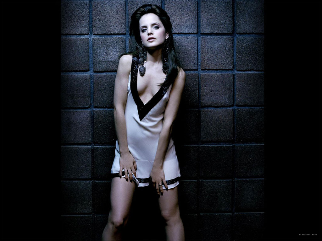Mena Suvari wallpaper (#23528)