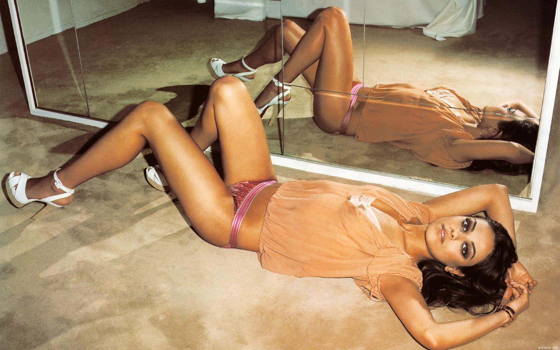 Mila Kunis wallpaper (#40503)