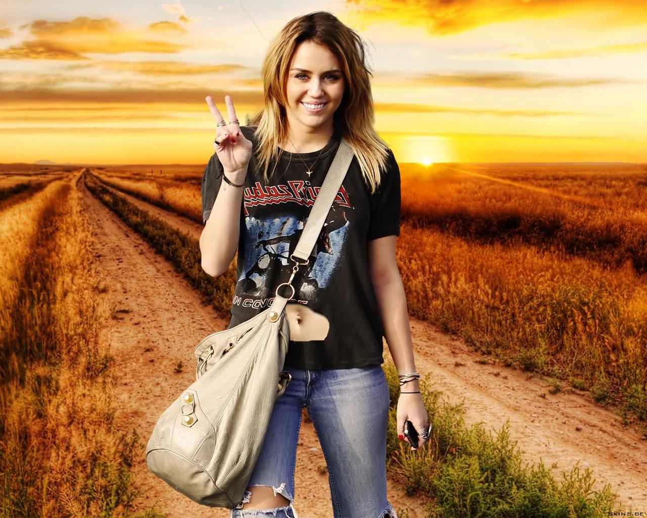 Miley Cyrus wallpaper (#40540)