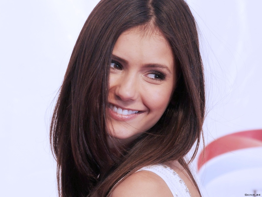 http://wallpapers.skins.be/nina-dobrev/nina-dobrev-1024x768-38744.jpg