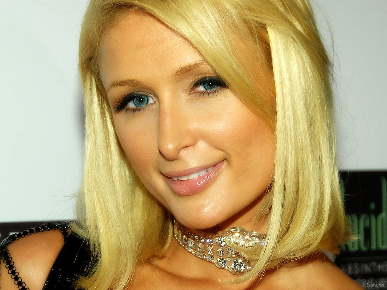 Paris Hilton wallpaper (#32407)