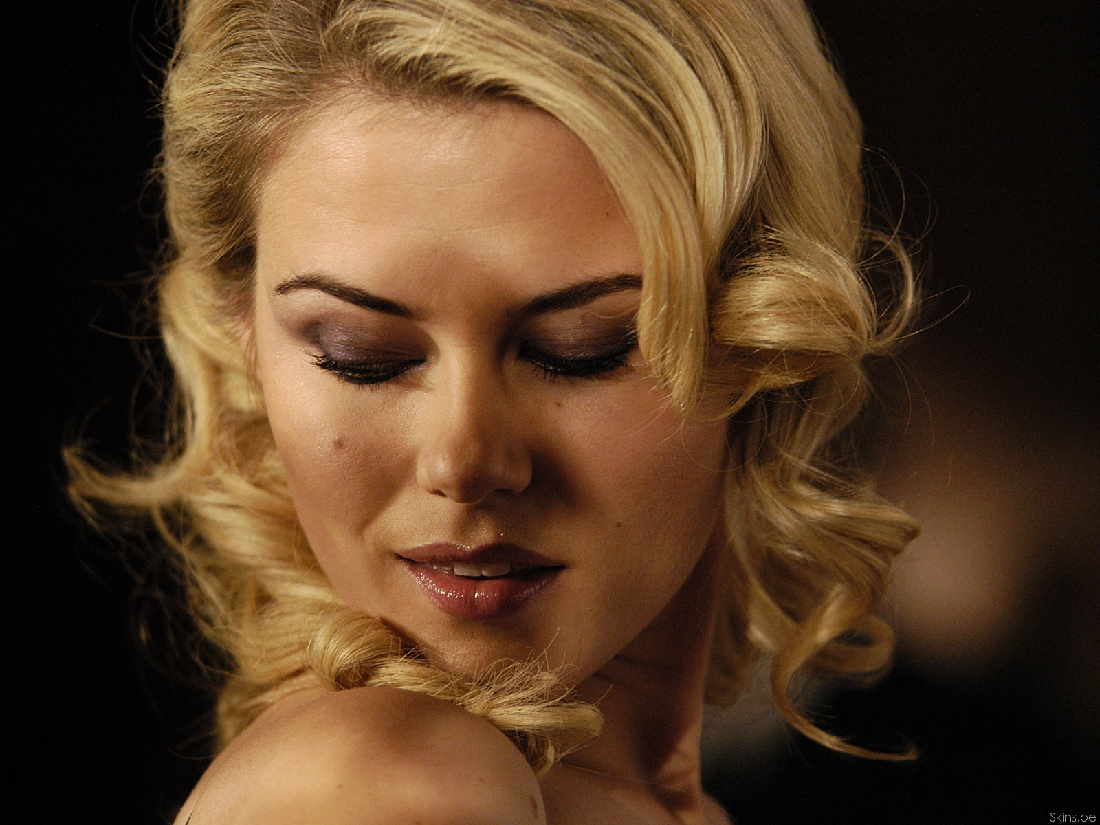 rachael taylor currently dating