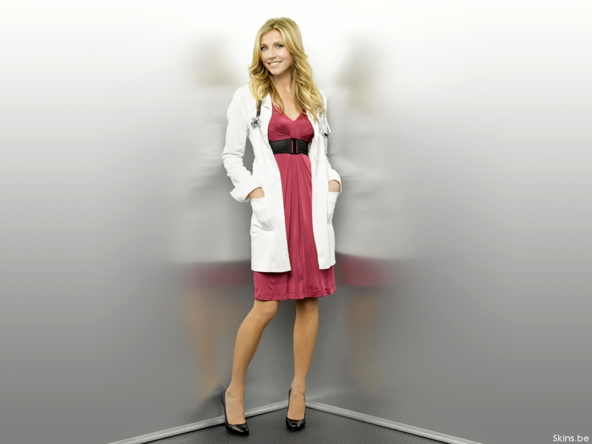 Sarah Chalke wallpaper (#35839)